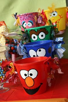 sesame-street-elmo-birthday-party-idea-how-to-painted-buckets.jpg Photo: This Photo was uploaded by kidswallcreations. Find other sesame-street-elmo-bir. Elmo Birthday, First Birthday Parties, Birthday Party Themes, Birthday Ideas, Dinosaur Birthday, Seasame Street Party, Sesame Street Birthday, Anniversaire Elmo, Cookie Monster Party
