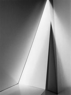 Fabiola Menchelli | Triangular Hall, 2012 #black #white