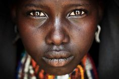 Les 35 plus belles photos du grand prix National Geographic 2014 vont vraiment vous émerveiller ! Laquelle est votre préférée ?
