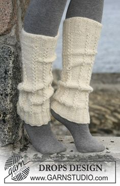 DROPS legwarmers with cables in 2 threads Alpaca. Free pattern by DROPS Design. Knitted Boot Cuffs, Knit Boots, Lace Knitting, Knitting Socks, Knitting Patterns Free, Knitted Hats, Free Pattern, Crochet Leg Warmers, Crochet Socks