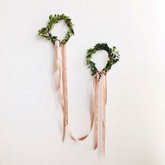 feminine holiday wreaths