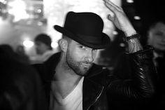 Adam Levine black'n'white