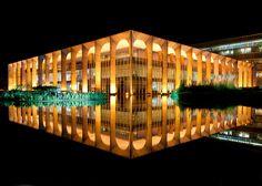 palácio do itamaraty - brasília - oscar niemeyer - photo andrew prokos - 2013