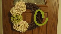 easy to do front door wreath with letter