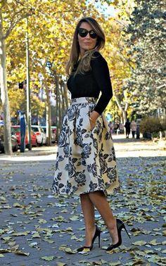 Falda larga estampada.