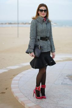 Peplum hem skirt, fuchsia pumpsFashion and Cookies - fashion blog