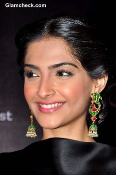 Sonam Kapoor's look at L'Or Sunset Cannes Collection Launch 2013