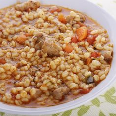 Warm up with this healthy beef and barley soup brimming with fresh vegetables and rich beef flavor! Healthy Soup, Healthy Recipes, Healthy Eating, Healthy Weight, Low Calorie Diet Plan, Soup Recipes, Cooking Recipes, Slow Cooking, Make Ahead Freezer Meals