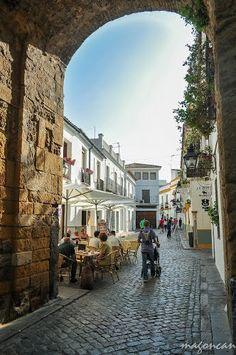 Córdoba - Barrio judío - Entrando por la puerta de Almodóvar Spain , #spain