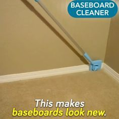 Bathroom Cleaning Hacks, Household Cleaning Tips, House Cleaning Tips, Diy Cleaning Products, Baseboard Cleaner, Cleaning Baseboards, Red Home Decor, Home Repairs, Room Paint