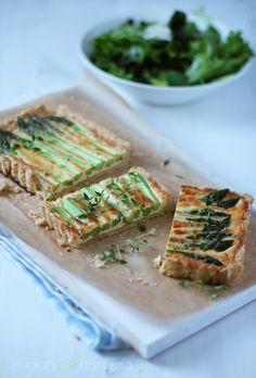 Parsaa! -parsapiirakka - suolaa & hunajaa Low Carb Recipes, Vegetarian Recipes, Snack Recipes, Healthy Recipes, Snacks, Pie Co, Salty Foods, Veggie Tales, No Bake Desserts