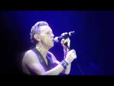 ▶ Depeche Mode - Leave in Silence - Live in London 19/11/2013 The O2 Arena - YouTube (MARTIN WHYY!!!!! OMFG)