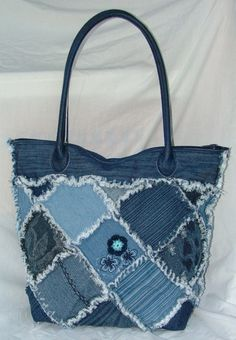 Check out our shoulder bags selection for the very best in unique or custom, handmade pieces from our shops. Denim Patchwork, Denim Quilts, Purses And Bags, Jean Purses, Denim Purse, Denim Ideas, Denim Crafts, Denim And Lace, Recycled Denim