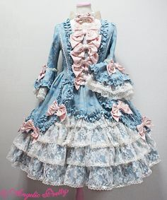 Beautiful- inspires me to make another Lolita dress.