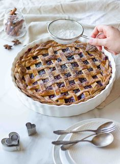 Cherry pie (american pie with cherries) - Recettes - Yorgo Angelopoulos Cuban Recipes, Tart Recipes, Cookie Recipes, New Orleans Recipes, Best Christmas Cookies, Food Wallpaper, American Pie, Cookies Et Biscuits, Food Photo