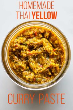 Quick and Easy homemade Thai yellow Curry Paste From scratch in less than 20 minutes. Indian Food Recipes, Asian Recipes, Whole Food Recipes, Dinner Recipes, Indian Foods, Thai Recipes, Vegetarian Recipes, Thai Yellow Curry Paste, Curried Sweet Potato Soup