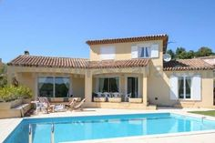 Holiday Home Rue Sully Prudhomme Saint-Raphaël Situated in Saint-Raphaël, Holiday home Rue Sully Prudhomme is a holiday home featuring a barbecue. The unit is 45 km from Nice. Cannes is 19 km from Holiday home Rue Sully Prudhomme, while Saint-Tropez is 26 km from the property.