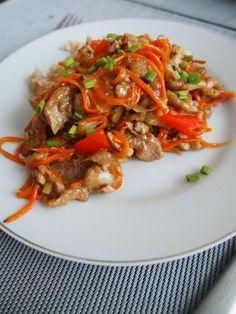 Od razu zdradzę, że danie smakuje jak w chińskiej restauracji. To jest ten sos! A jak łatwo go zrobić. Sami spójrzcie. Diet Recipes, Cooking Recipes, Healthy Recipes, Good Food, Yummy Food, Tasty, Best Cookbooks, Asian Recipes, Ethnic Recipes