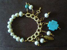 Pulsera de perlas y turquesa