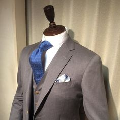 飽きないスーツ – 池袋店