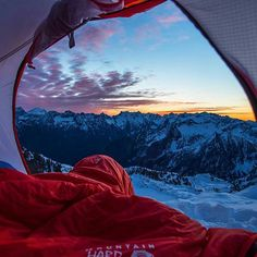 Room with a view. Gothic Peak, Washington.  Photography by @moonmountainman #aroundtheworldpix