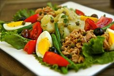 How to Make Julia Child's Salade Nicoise Video - Average Betty French Potato Salad, French Potatoes, French Salad Recipes, Salat Nicoise, Great Recipes, Favorite Recipes, Special Recipes, Vegetarian Recipes, Healthy Recipes