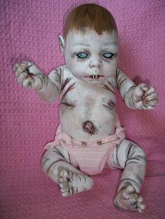 Creepy Doll Halloween, Halloween Crafts, Halloween Decorations, Halloween Stuff, Scary Baby Dolls, Creepy Dolls, Ugly Dolls, Cute Dolls, Creepy People