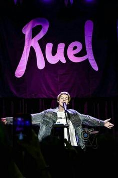 Top 5 Facts About Ruel - Verjube Photographics Cute White Boys, Pretty Boys, Cute Boys, Collage Des Photos, Crush Memes, Music Wall, Perfect Boy, Jimi Hendrix, Aesthetic Photo