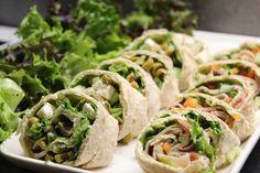 Rieskarullat kolmella eri suolaisella täytteellä   Jannen Keittiössä - Ruokablogi Pizza Nachos, Feta, Tacos, Mexican, Bread, Burgers, Ethnic Recipes, Wraps, Drink