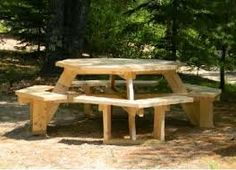 round picknick table