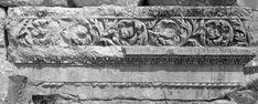 Basilica dei Santi Apostoli, Anazarbe (un'antica città della Cilicia, oggi Turchia), la fine del V – inizio del VI secolo. Greek, Statue, Art, Art Background, Greek Language, Kunst, Gcse Art, Sculptures, Sculpture