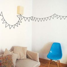 DIY: tape garlands - would be really cute using Japanese Masking Tape (great for an impromptu party) Use washi tape to dress up plastic cups. Tape Wall Art, Washi Tape Wall, Tape Art, Tape Masking, Home Wall Decor, Diy Home Decor, Room Decor, Deco Tape, Wall Murals