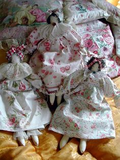 [Dolls1.jpg]