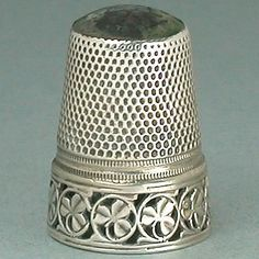 Antique Stone Top Shamrocks Silver Thimble * Early 20th Century