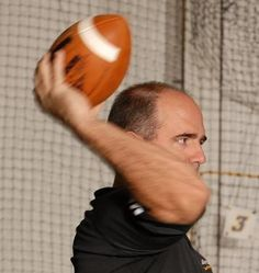 Improving a quarterback's throwing motion | Smart Football