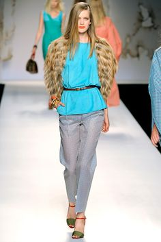Fendi Spring 2011 Ready-to-Wear Fashion Show - Mirte Maas