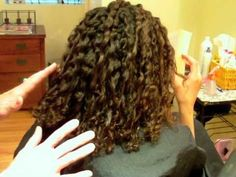 How to Style Curly Ethnic Hair: Cute Crimped Style Curls