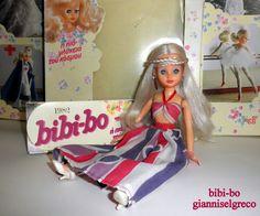 "Im Jahr 1981 und im Jahr 1982 veröffentlichte sie ihr Tagebuch bibi-bo. Im Monat Juli die bibi-bo ist gekleidet ""Cocktail""!  Nel 1981 e nel 1982 ha pubblicato il suo diario bibi-bo. Nel mese di luglio del bibi-bo è vestita ""Cocktail""!  En 1981 y en 1982 lanzó su diario bibi-bo. En el mes de julio el bibi-bo está vestida ""Cocktail""!"