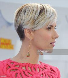 Actress Scarlett Johansson arrives at the 2015 MTV Movie Awards at Nokia Theatre…