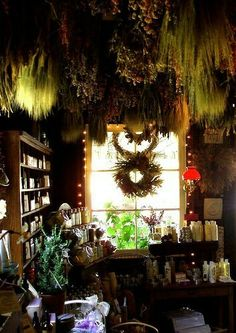 A magical kitchen and green witch setup xo hanging herbs, hanging gardens, apothecaries, Witch Cottage, Witch House, Witch Room, Practical Magic, Kitchen Witch, Herbal Kitchen, Drying Herbs, Magick, Witchcraft