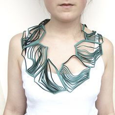 Eldis Green | Contemporary Necklaces / Pendants by contemporary jewellery designer Jelka Quintelier