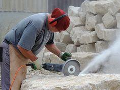 Ein Brunnen entsteht: Steinbrocken Code 110 Vacuums, Home Appliances, Stones, House Appliances, Appliances, Vacuum Cleaners