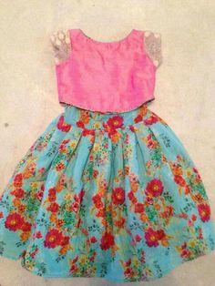 Same blouse skirt diff