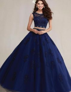 Vestidos de quince color azul rey