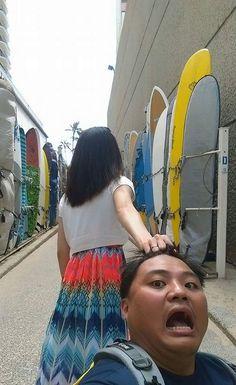 Casal faz álbum de férias inovador (e hilário) em viagens pelo mundo