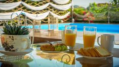 perfect breakfast near the blue of the pool..