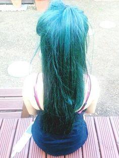green hair✌