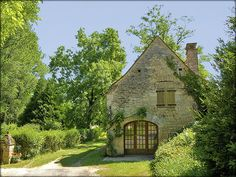 century stone house, Aquitaine, France I found my cottage! Stone Cottages, Cabins And Cottages, Stone Houses, Cute Cottage, Cottage Style, French Cottage, Cottage Design, Saint Junien, Storybook Homes