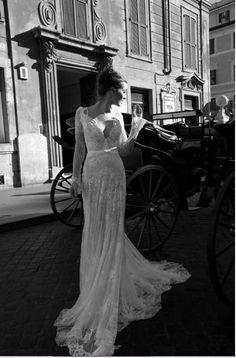 2014 new  Graceful White/ ivory Style Long sleeve Lace Wedding Dresses Sexy V-Neck Backless wedding Dresses vestido de noiva  $169.00