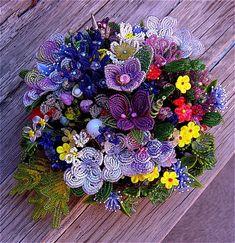 Kwiaty z koralików - schematy tkackie